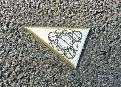 triangle3-1.jpg